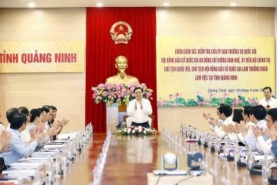 Chủ tịch Quốc hội kiểm tra công tác chuẩn bị bầu cử ở Quảng Ninh