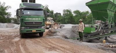 Bắc Giang: Bất chấp lệnh tháo dỡ, trạm trộn bê tông nhựa vẫn ngang nhiên hoạt động