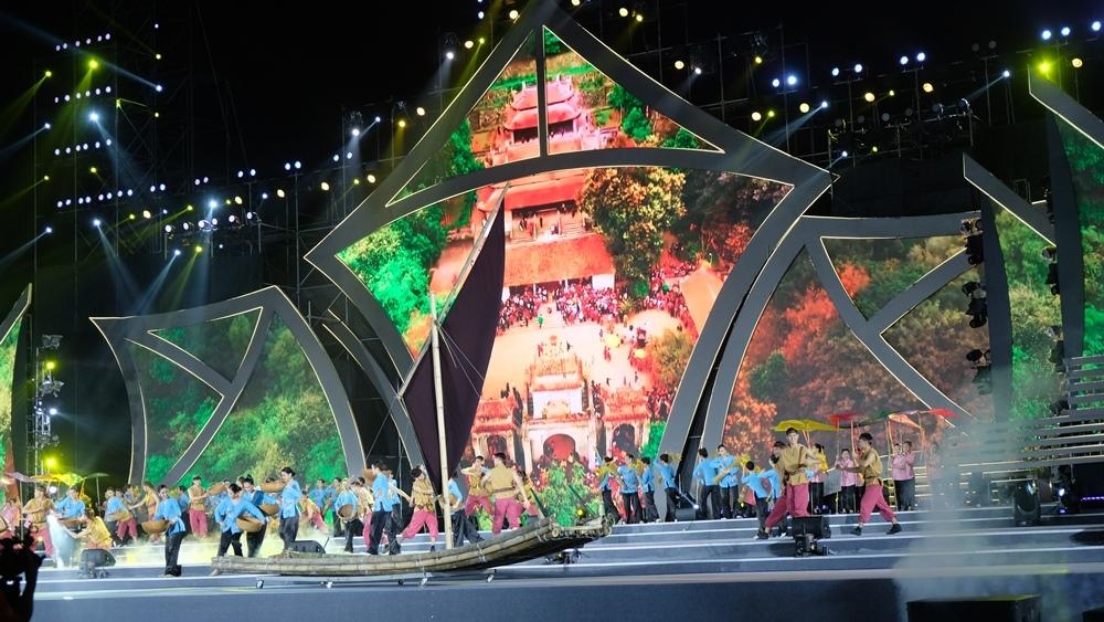 Thanh Hóa: Rực rỡ, sôi động và ấn tượng đêm khai mạc Lễ hội du lịch biển Sầm Sơn năm 2021