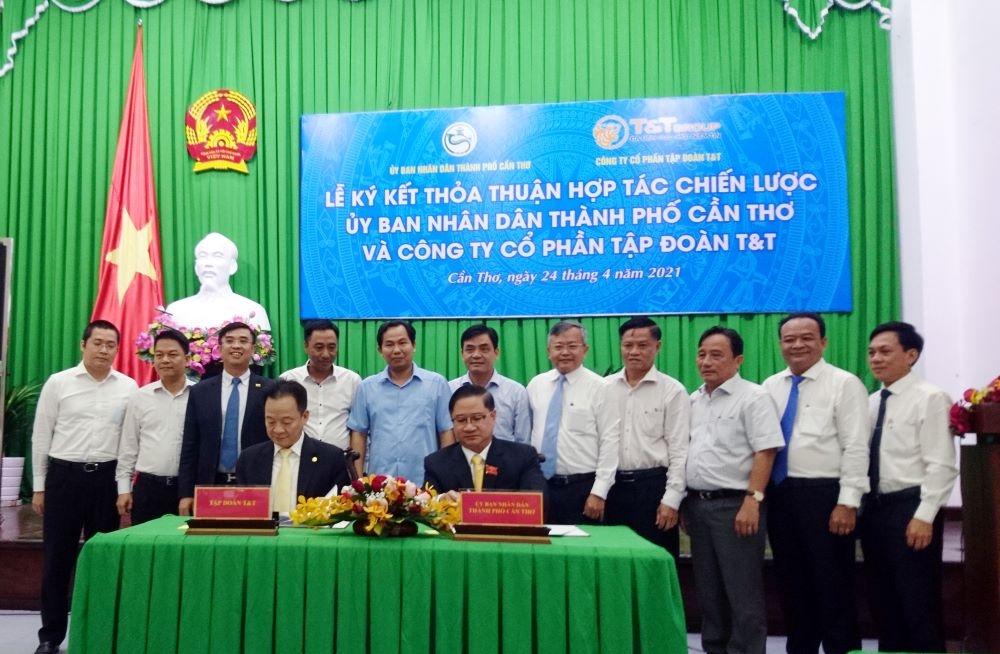 Thành phố Cần Thơ và Công ty Cổ phần Tập đoàn T&T ký kết thỏa thuận hợp tác chiến lược