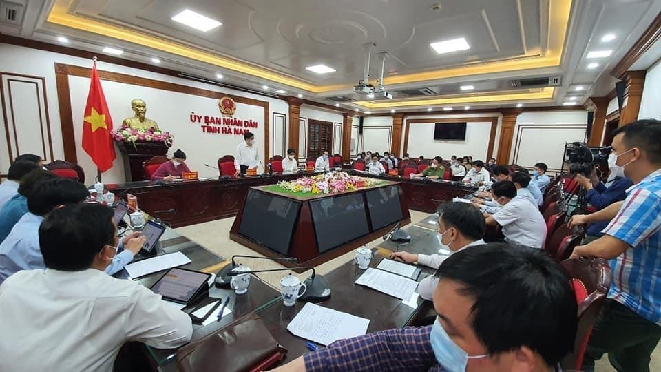 Bộ trưởng Bộ Y tế: Hà Nam cần nhanh chóng dập dịch Covid-19