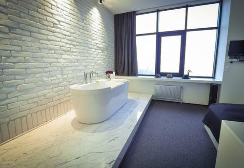 192058baoxaydung image012 Cùng nhìn qua những bức tường gạch tuyệt đẹp cho phòng tắm