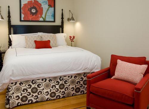 Nội thất màu đỏ rực rỡ cho phòng ngủ