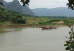 Hiểm họa sạt lở đất, xâm thực dọc bờ sông Gianh - Quảng Bình: Trách nhiệm thuộc về ai?