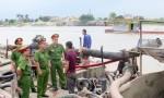 Công an Hải Phòng liên tiếp bắt giữ các tàu khai thác cát trái phép