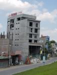 Long Biên (Hà Nội):  Hàng loạt công trình có dấu hiệu vi phạm trật tự xây dựng