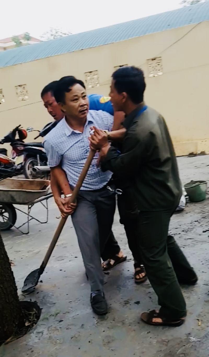 Bắc Giang: Xây dựng không phép còn xông vào trụ sở UBND đánh cán bộ