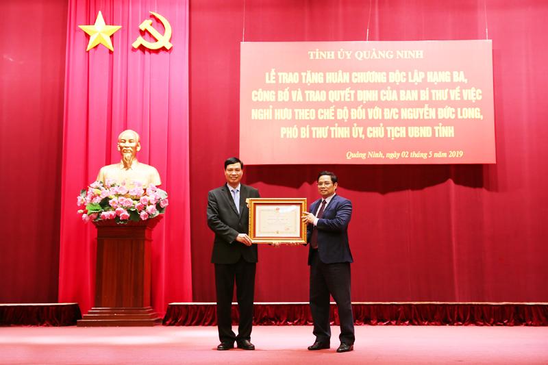 Quảng Ninh: Chủ tịch UBND tỉnh nhận Huân chương Độc Lập hạng Ba và Quyết định nghỉ hưu