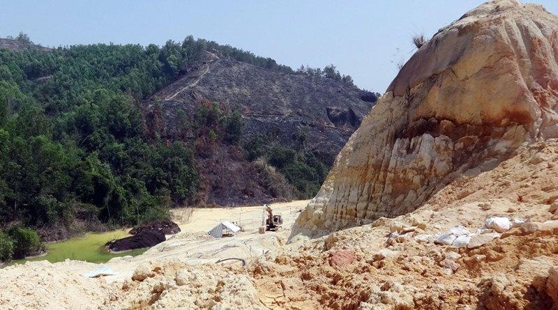 Bổ sung quy hoạch và đưa vào danh mục không đấu giá quyền khai thác khoáng sản mỏ sét và mỏ phụ gia xi măng tại Hòa Bình