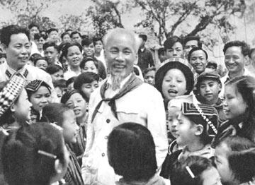 Noi gương Chủ tịch Hồ Chí Minh