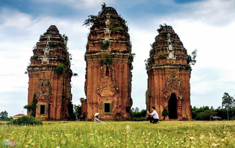 Tháp cổ nghìn năm ở miền 'đất Võ, trời Văn'