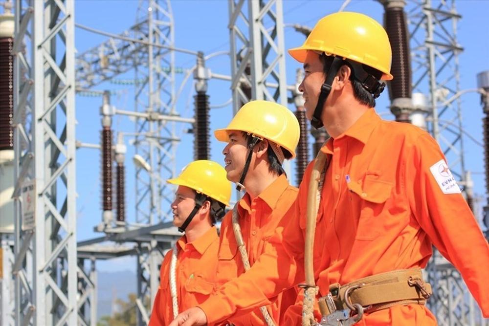 Tập đoàn Điện lực Việt Nam giảm giá điện cho 12,4 triệu khách hàng