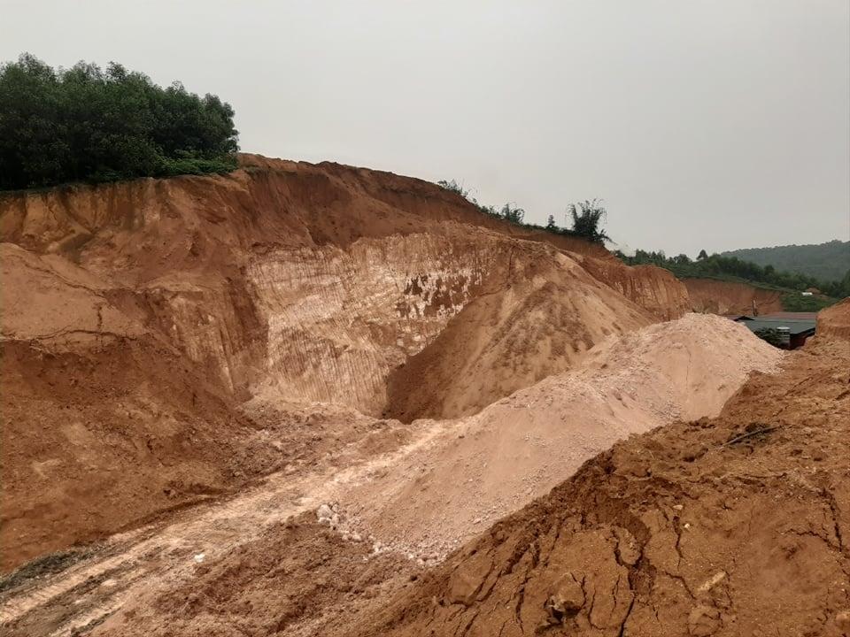 Phú Thọ: Xử lý vi phạm khai thác cao lanh trái phép tại huyện Hạ Hòa
