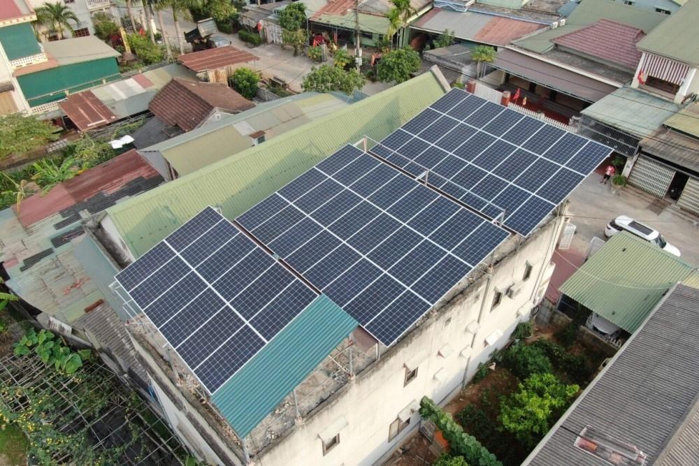 Quảng Trị: Gần 1.300kWp công suất điện mặt trời mái nhà đã phát điện