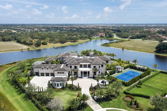 Biệt thự Mỹ giá 23,5 triệu USD sở hữu hồ bơi nước mặn