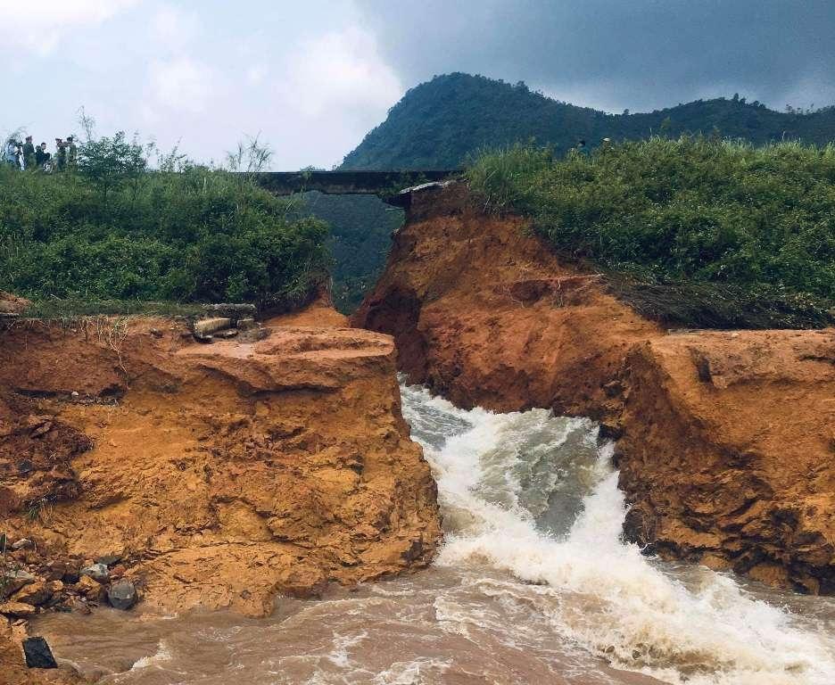 Cẩm Khê (Phú Thọ): Vỡ đập Đầm Thìn khiến nhiều hộ dân phải sơ tán khẩn cấp