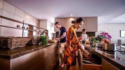 Căn bếp phong cách Châu Âu, thiết kế thông minh của ca sĩ Đoan Trang