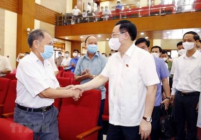 Chủ tịch Quốc hội Vương Đình Huệ tiếp xúc cử tri thành phố Hải Phòng
