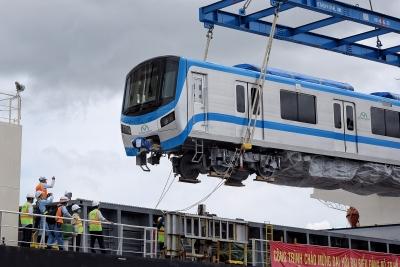 Hai đoàn tàu metro số 1 về đến cảng Khánh Hội TP.HCM