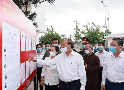 Chủ tịch nước tiếp xúc cử tri tại huyện Củ Chi và Hóc Môn