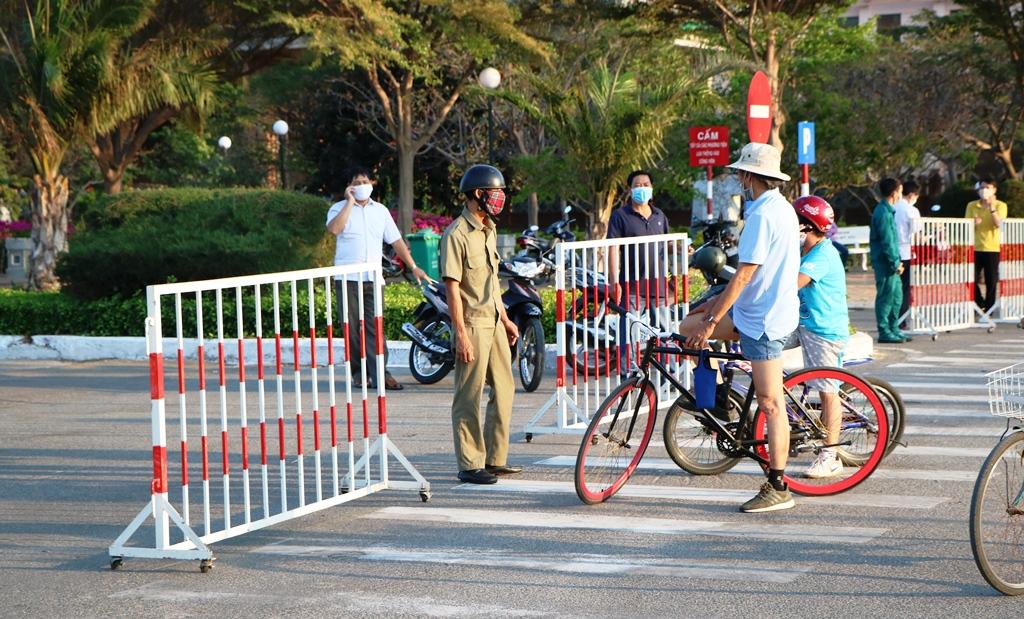 Ninh Thuận: Tiếp tục tạm dừng một số dịch vụ không cần thiết để phòng, chống dịch Covid-19