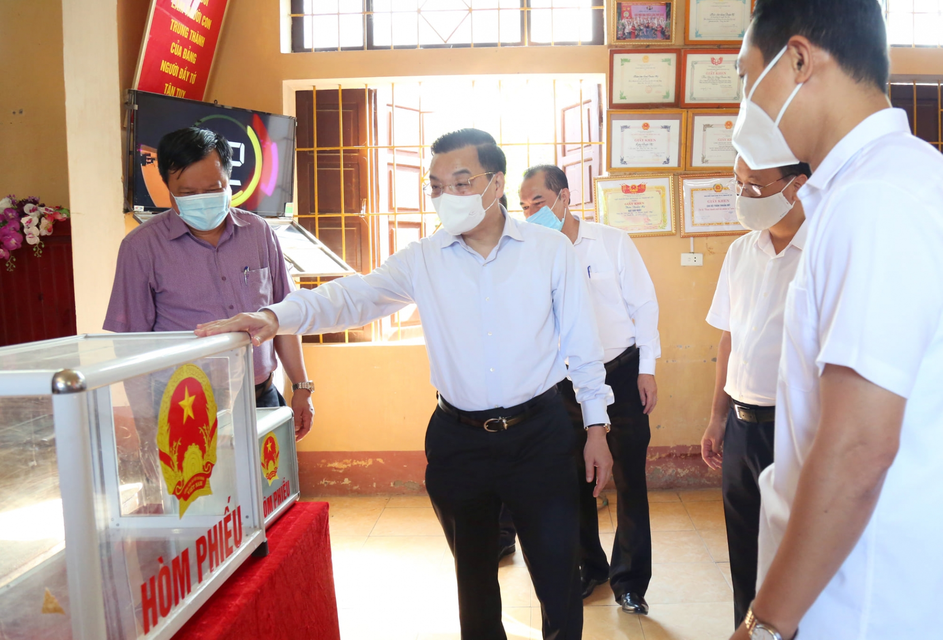 cu the cac phuong an khong de gian doan cong tac bau cu