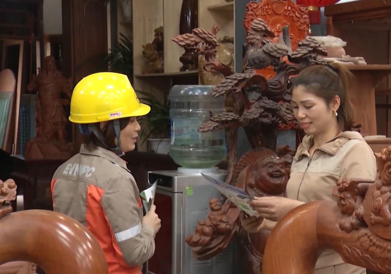 PC Hà Nam tuyên truyền sử dụng điện tiết kiệm, hiệu quả để giảm nguy cơ sự cố và tránh hóa đơn tiền điện tăng cao