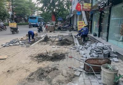 Hà Nội: Dự án lát đá vỉa hè trên nhiều tuyến phố đang dần hoàn thiện