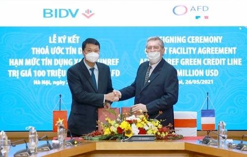 Pháp hỗ trợ Việt Nam 100 triệu USD tín dụng xanh