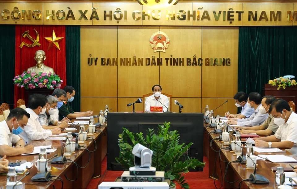 Bộ Y tế sẽ điều động 1.000 người hỗ trợ Bắc Giang chống dịch