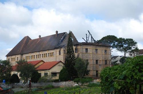 001611baoxaydung 8 Chiêm ngưỡng vẻ đẹp công trình kiến trúc cổ Đà Lạt vừa bị cháy