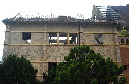 001619baoxaydung 11 Chiêm ngưỡng vẻ đẹp công trình kiến trúc cổ Đà Lạt vừa bị cháy