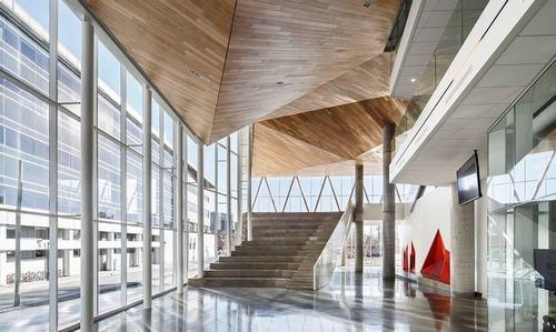 134046baoxaydung image004 Chiêm ngưỡng Tòa nhà giống khối điêu khắc trên một tảng băng trôi khổng lồ