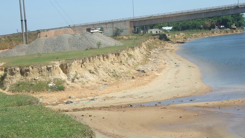 Quảng Trị: Nỗi lo sạt lở bờ sông