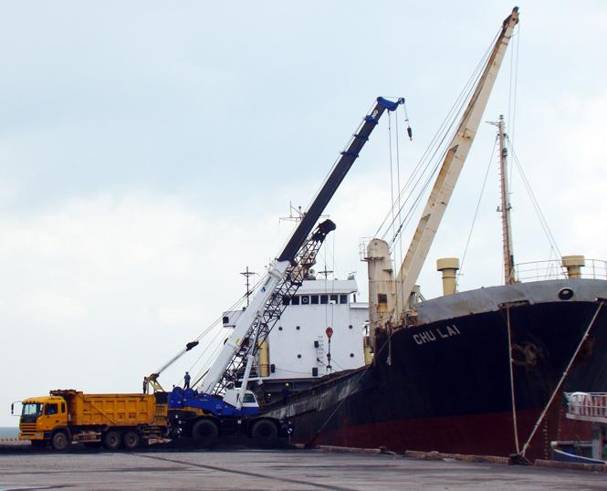 """Quảng Bình: Tai nạn chết người trên tàu Thanh Thành Đạt 9999 bị """"giấu nhẹm""""?"""