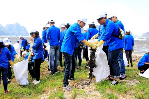 Chung sức bảo vệ biển đảo và môi trường Việt Nam