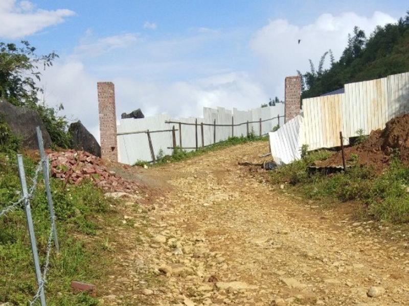 Sa Pa (Lào Cai): Ngang nhiên rào đường, chiếm đất của dân