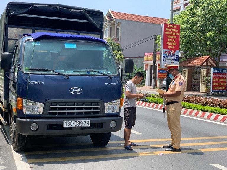 Vĩnh Phúc: Xử phạt gần 7.000 trường hợp vi phạm an toàn giao thông