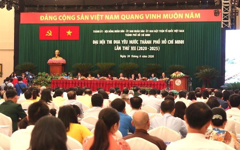 thanh pho ho chi minh khen thuong nhieu dien hinh tai dai hoi thi dua yeu nuoc lan thu vii