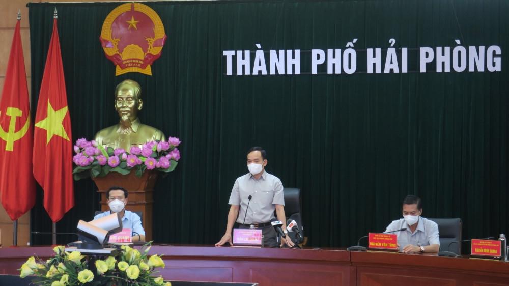 Hải Phòng: 18 cán bộ y tế lên đường chi viện cho tỉnh Bắc Giang chống dịch