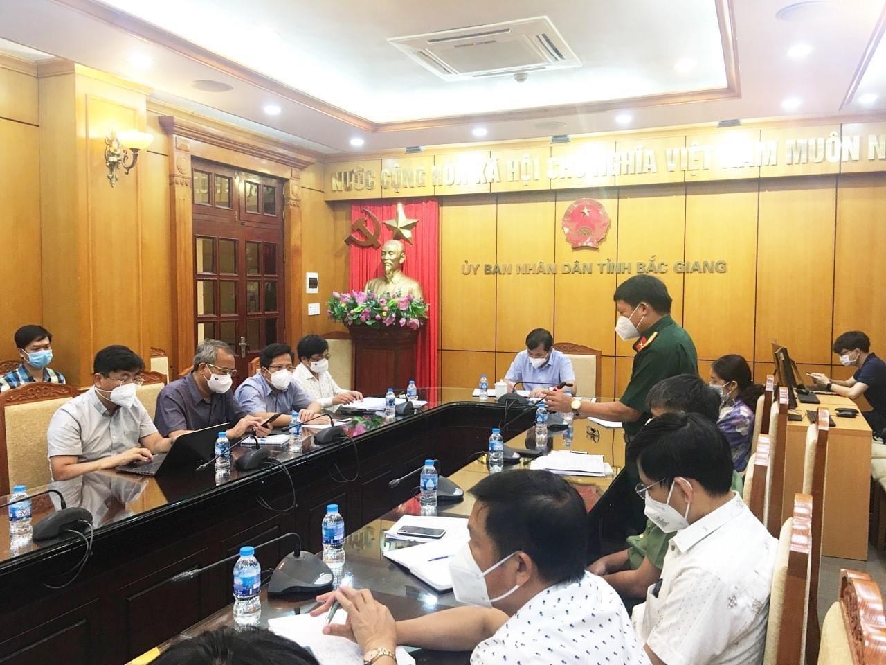 """Bắc Giang: Nếu không chốt chặn """"nguồn cung"""" F0, có thể vài tháng dân chưa ra nổi khỏi khu cách ly"""