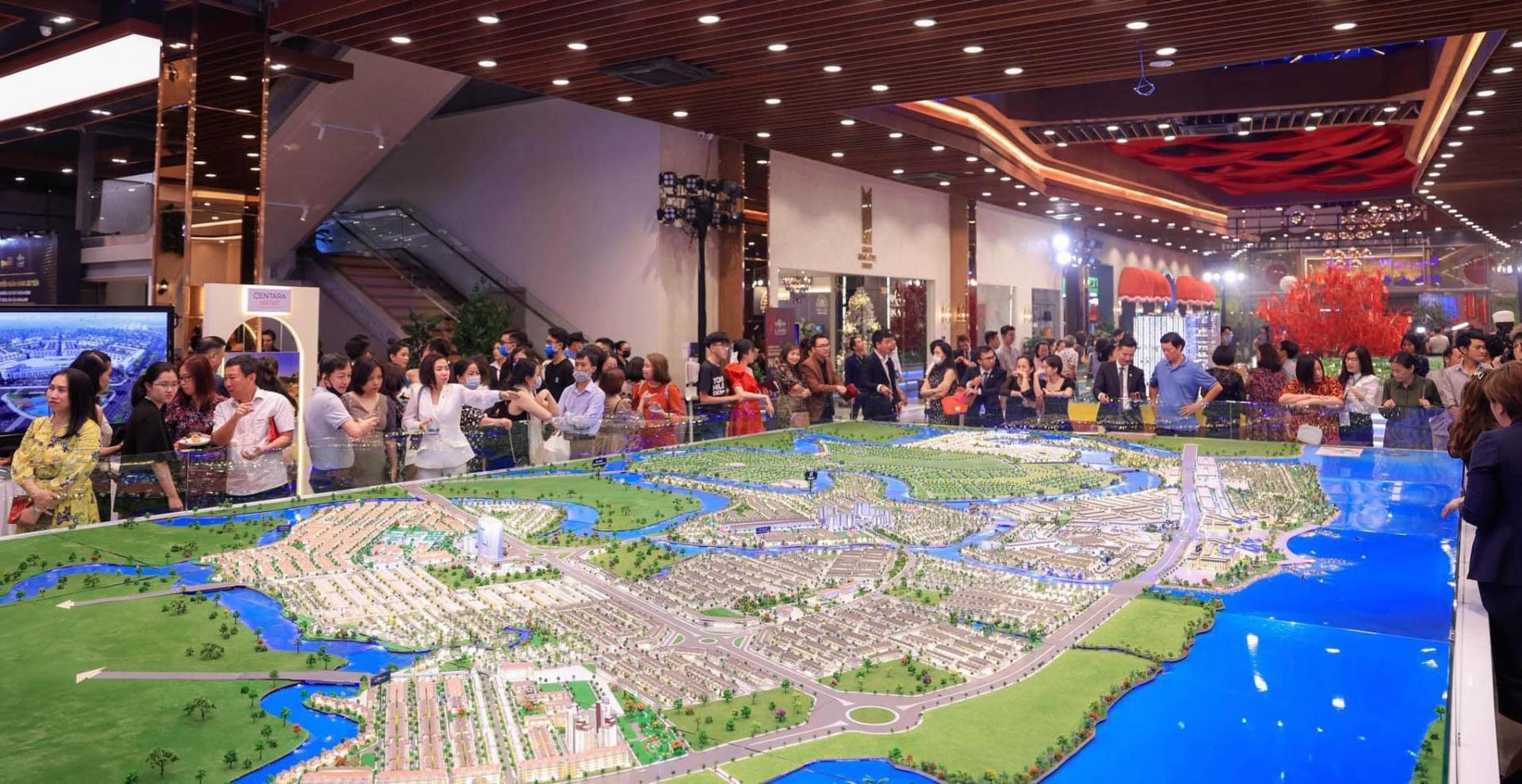"""HoREA đề nghị Thành phố Hồ Chí Minh hỗ trợ doanh nghiệp bất động sản trong và sau đại dịch """"Không bằng tiền mà bằng cơ chế"""""""