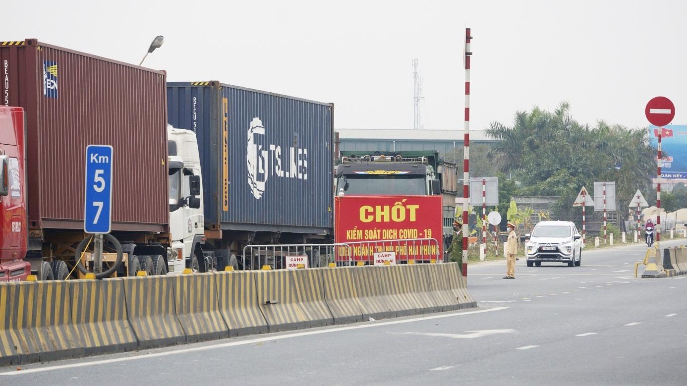 Tăng cường kiểm soát chặt chẽ phòng, chống Covid-19 trên các tuyến xe khách cố định liên tỉnh