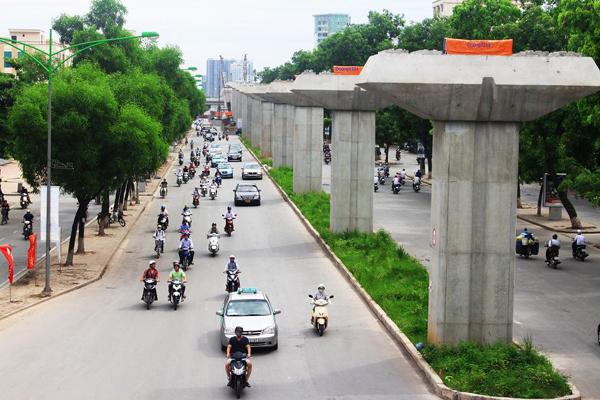 """Đường sắt đô thị Cát Linh - Hà Đông: Vẫn """"căng"""" tiến độ"""