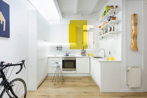095213baoxaydung image004 Thiết kế căn hộ đa màu sắc cho gia đình hiện đại tại Barcelona
