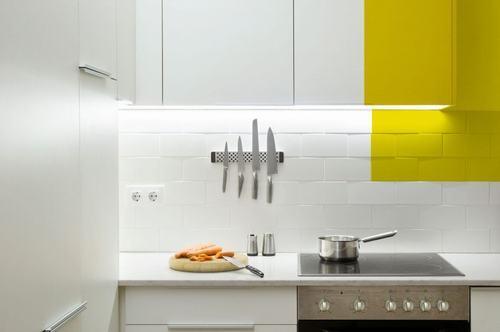 095213baoxaydung image006 Thiết kế căn hộ đa màu sắc cho gia đình hiện đại tại Barcelona