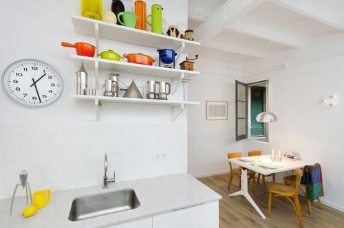 095213baoxaydung image008 Thiết kế căn hộ đa màu sắc cho gia đình hiện đại tại Barcelona