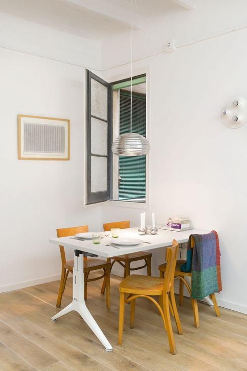 095213baoxaydung image009 Thiết kế căn hộ đa màu sắc cho gia đình hiện đại tại Barcelona