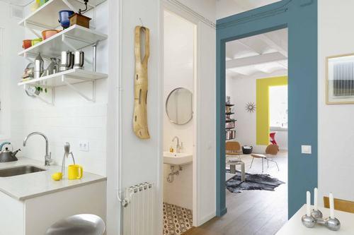 095214baoxaydung image011 Thiết kế căn hộ đa màu sắc cho gia đình hiện đại tại Barcelona
