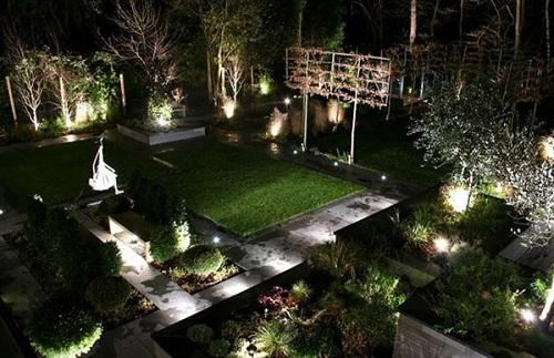 Kết quả hình ảnh cho đèn bãi cỏ